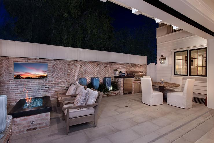 Patio With Curved White Stone Outdoor Water Fountain