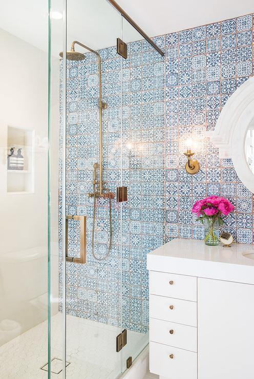 White lacquered bath vanity with blue mosaic moroccan for Blue tile bathroom ideas