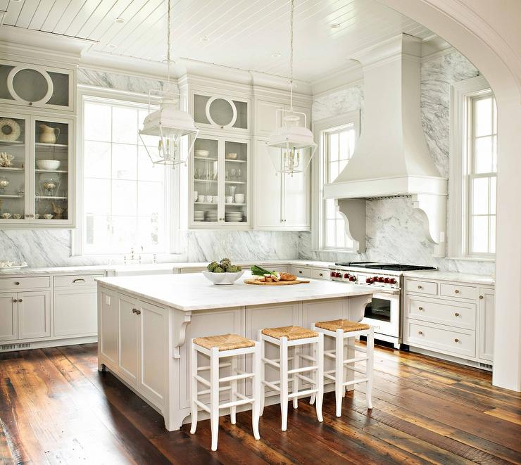 Barstools In White Kitchen Islands