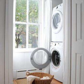 stacked washing machine dryer