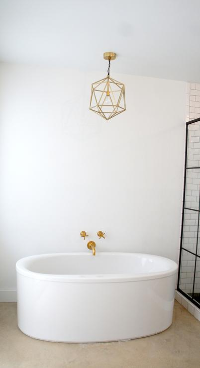Kohler Oval Tub with Kohler Purist Bathtub Faucet and Gold ...