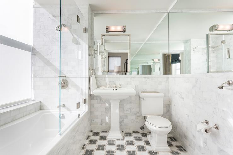 Small Bathroom With Wraparound Mirror