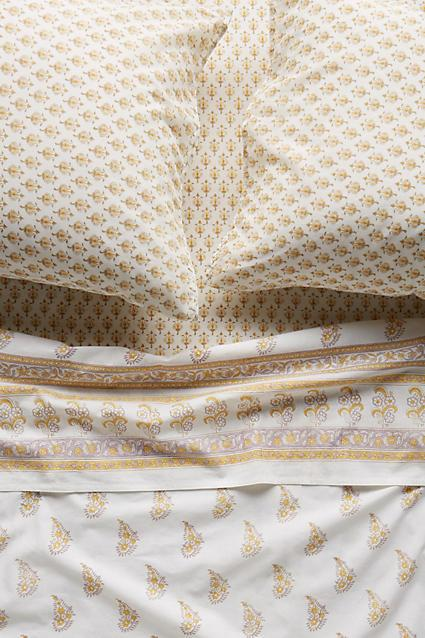 Lovely White and Gold Paisley Sheet Set ZC34