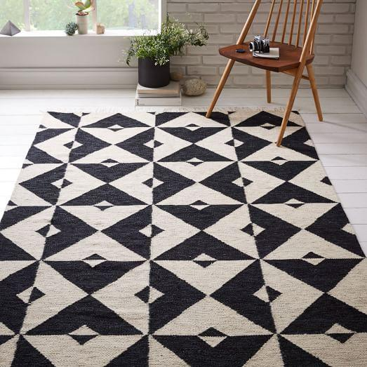 Delightful Black And White Geometric Pattern Dhurrie Rug