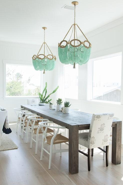 Dining room chandeliers design ideas for Chandelier centre de table