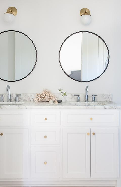 Attirant White And Black Bathroom With Brass Accents