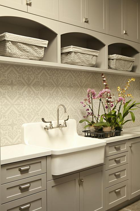 vintage laundry room faucet design ideas
