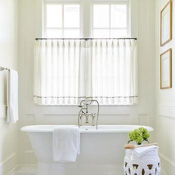 Charming Bathtub Nook With Decorative Wall Moldings