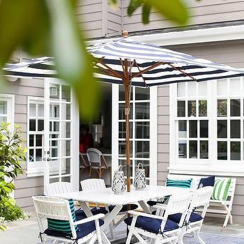 Black And White Striped Outdoor Patio Umbrella Design Ideas