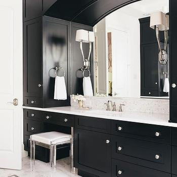 Black Moroccan Star Washstand With Black And White Mosaic