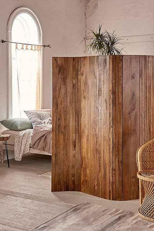 slatted screen room divider