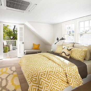 Plank ceiling cottage bedroom pat o 39 neal interiors for Brown and yellow bedroom ideas