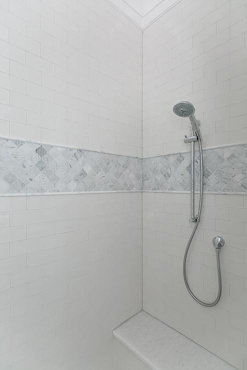 Marble Arabesque Shower Tiles With Gray Marble Pencil