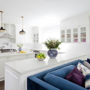 Kitchen Peninsula With 2 Lights Design Ideas