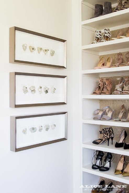 Wallpaper Lining Shelves Design Ideas