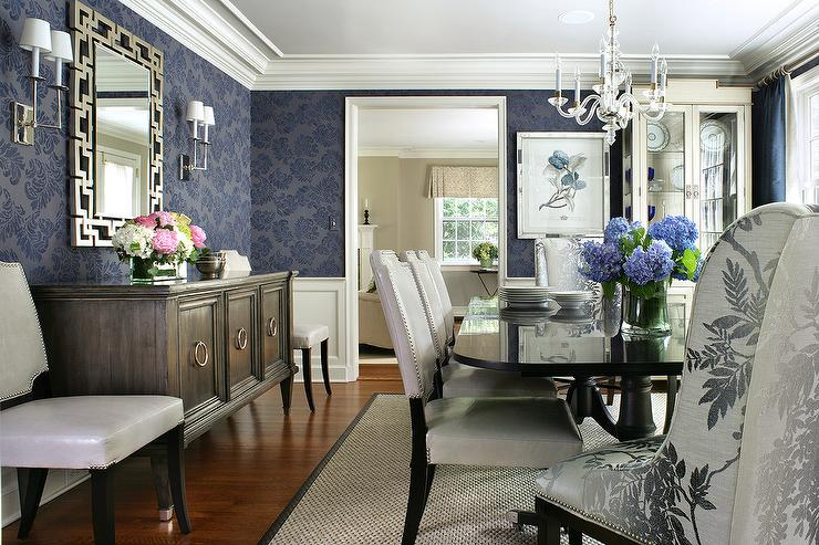 Merveilleux Blue Dining Room With Black Dining Table And White Leather Dining Chairs