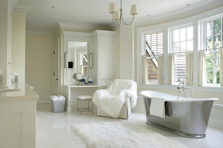 Ivory Master Bathroom With Bathtub In Bay Window Transitional - Master bathroom bathtubs