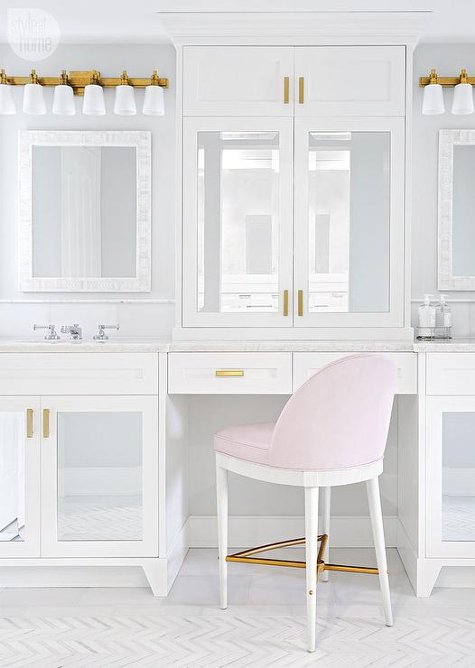 Gentil Mirrored Makeup Vanity Cabinets With Blush Pink Stool