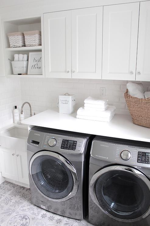 Paint gallery benjamin moore simply white paint colors for Laundry room floor ideas