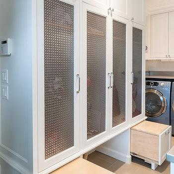 Mudroom recessed lights design ideas for Entryway lockers with doors