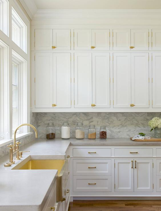 White Kitchen Cabinets With Brass Hardware Design Ideas