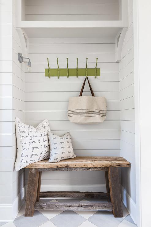 Phenomenal Salvaged Wood Mudroom Bench Design Ideas Squirreltailoven Fun Painted Chair Ideas Images Squirreltailovenorg