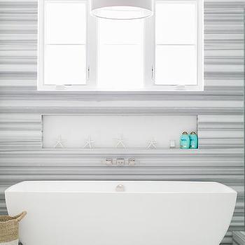 Incroyable Long Niche Over Bathtub