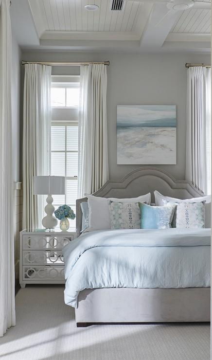 Exceptionnel Gray And Blue Beach Style Bedroom