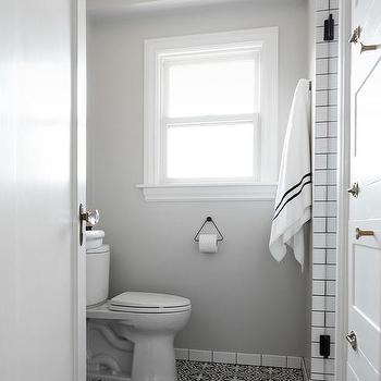 Merveilleux White And Gray Bathroom With Black And White Cement Floor Tiles