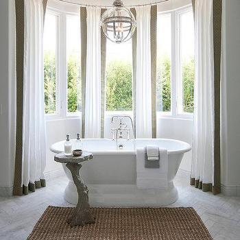 Bathroom Bow Window With Roll Top Bathtub