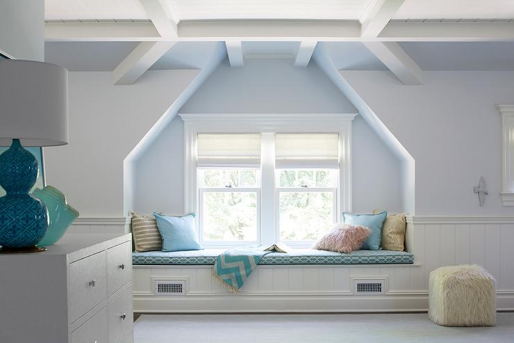 Lakeside bedroom sitting area with built in window seat for Bedroom designs with window seat