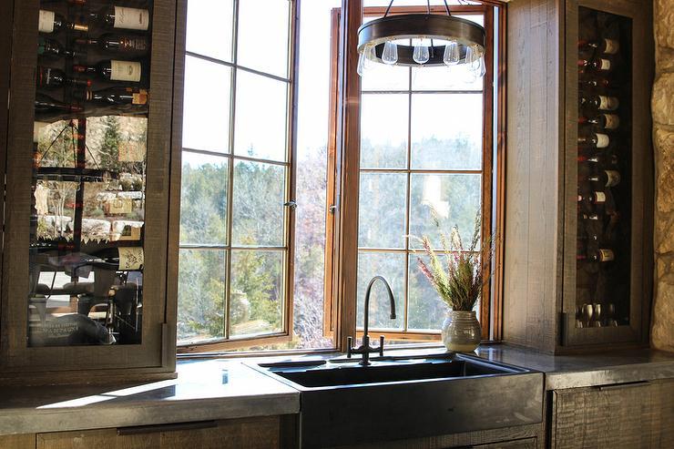 Cool Rustic Wet Bar With Black Apron Sink Cottage Kitchen Download Free Architecture Designs Scobabritishbridgeorg