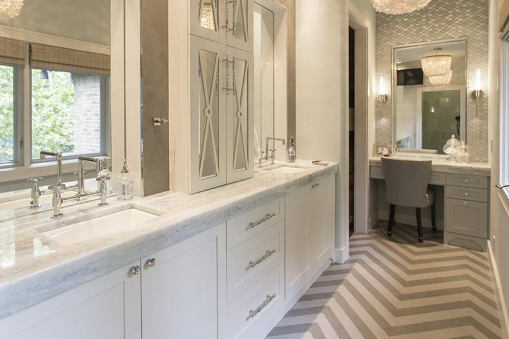 Dual Sink Vanity With Makeup Counter Design Ideas