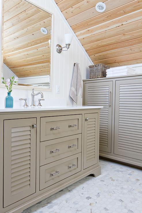 Louvered Bathroom Vanity Design Ideas - Louvered door bathroom vanity