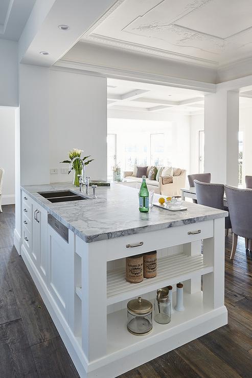 White kitchen peninsula with super white dolomite - White kitchen with peninsula ...