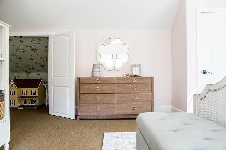 Light Pink Painted Bedroom Walls Design Ideas - Light pink and cream bedroom