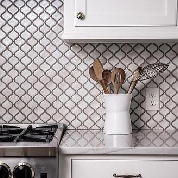White Arabesque Kitchen Backsplash Tiles With Gray Grout Design Ideas