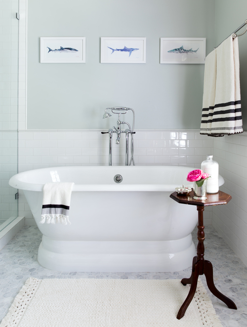 Corner Oval Bathtub With Floor Mount Gooseneck Tub Filler