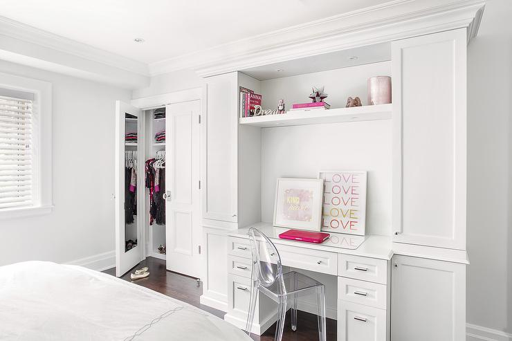 Teen Girl Bedroom With Mirror On Back Of Closet Door