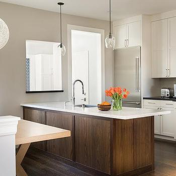 Two Tone Kitchen Peninsula Design Ideas