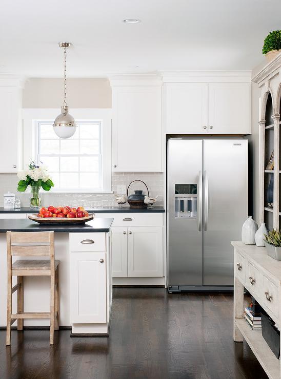 Super White Quartz Contemporary Kitchen Ann