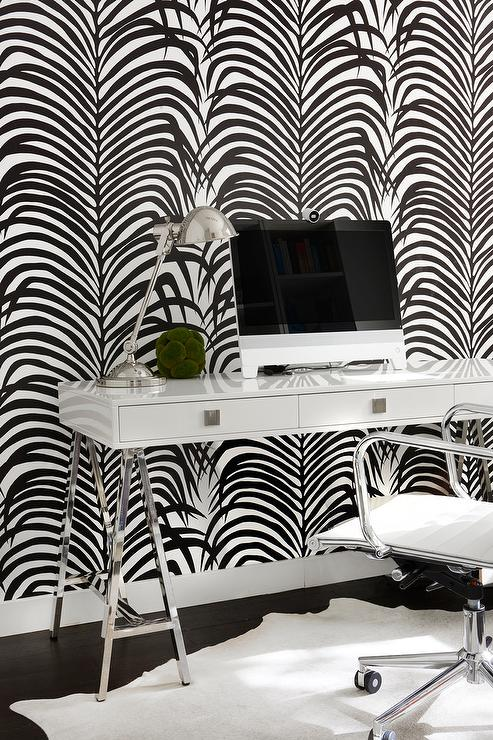 White And Black Palm Leaf Pattern Wallpaper