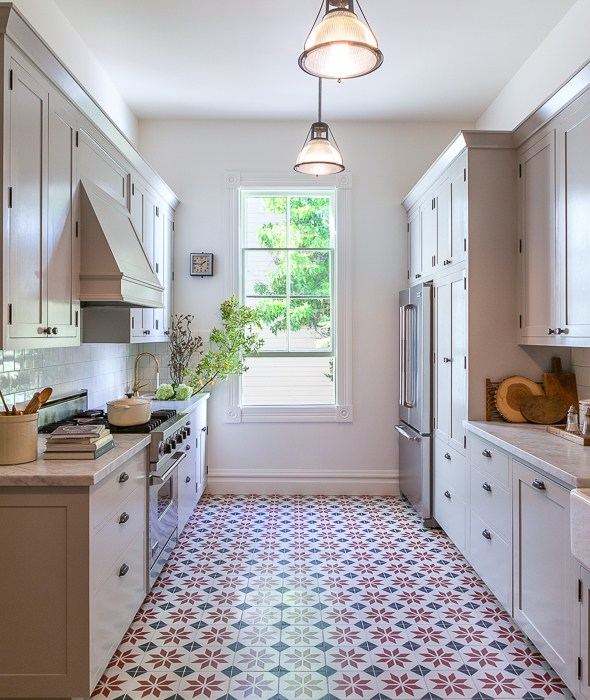 Kitchen Floor Tile Dark Cabinets: Light Gray Kitchen With Red And Black Mosaic Tile Floor