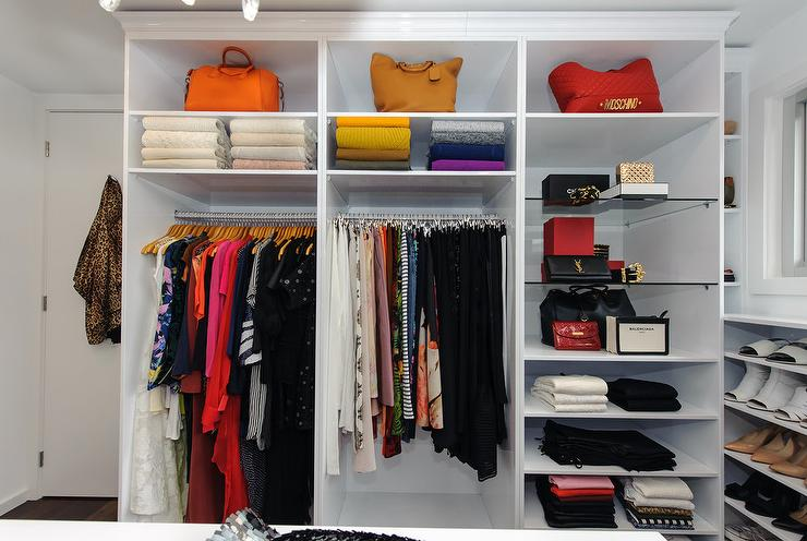 Merveilleux Walk In Closet With Display Shelves View Full Size
