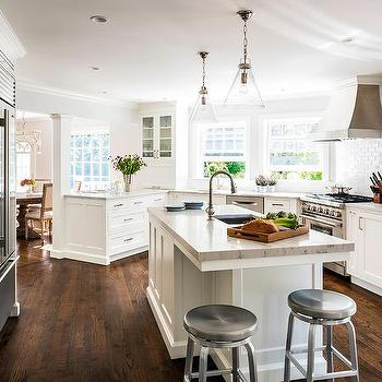 Oddly Shaped Kitchen Design With Island