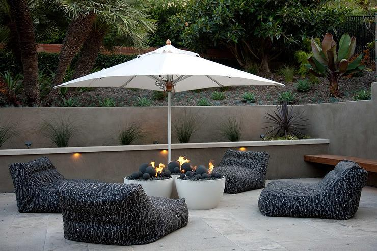 Black And White Lounge Chairs Around Fire Pits Design Ideas