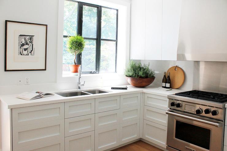 white kitchen cabinets sans hardware - transitional - kitchen