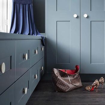 closet design decor photos pictures ideas inspiration paint colors and remodel. Black Bedroom Furniture Sets. Home Design Ideas