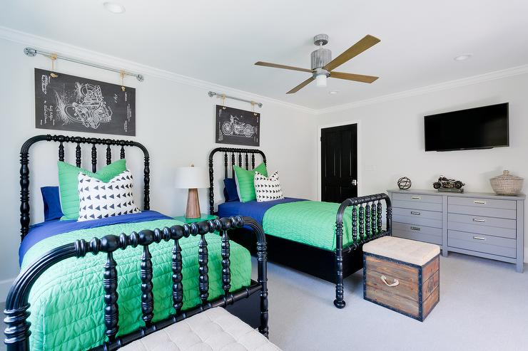 Boy 39 s room design decor photos pictures ideas for Black and green bedroom designs