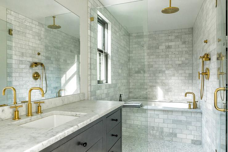 Carrera marble shower tiles design ideas for White carrera marble bathrooms